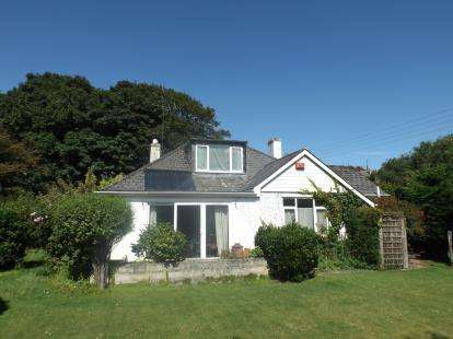 4 Bedrooms Bungalow for sale in Perranporth, Cornwall