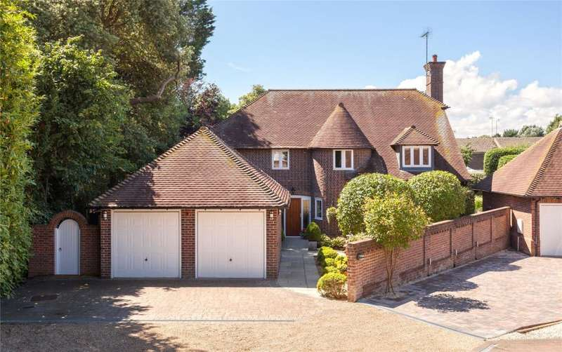 4 Bedrooms Detached House for sale in Mulberry Hollow, Angmering, West Sussex, BN16