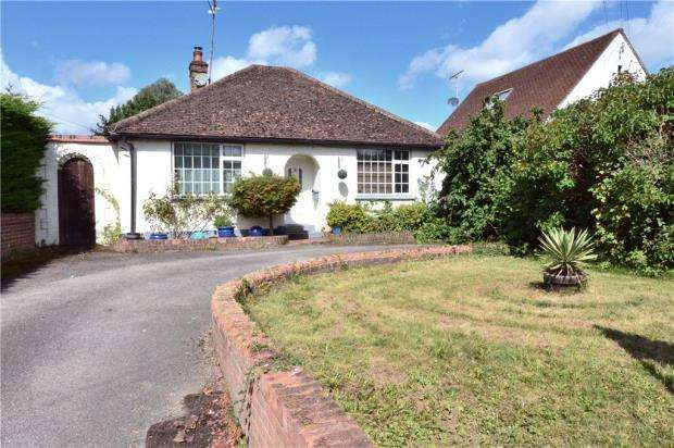3 Bedrooms Detached Bungalow for sale in Denham Way, Maple Cross, Rickmansworth