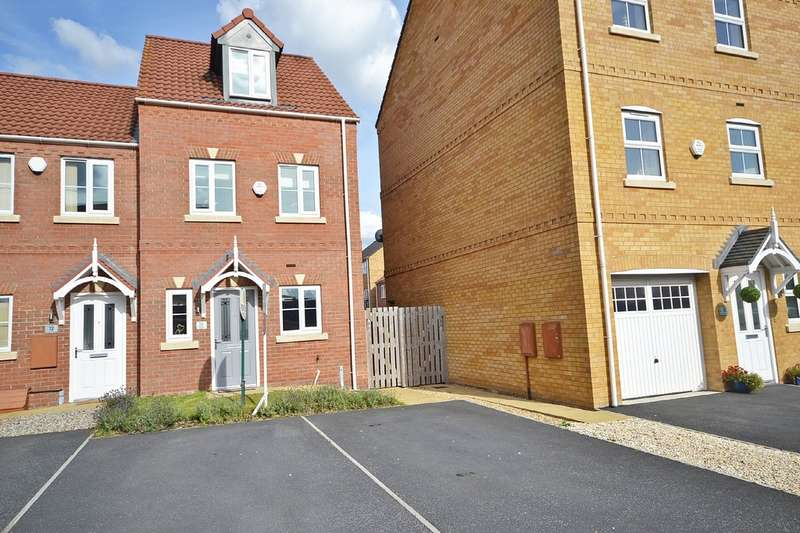 3 Bedrooms Semi Detached House for sale in Springfield Crescent , Lofthouse, Wakefield