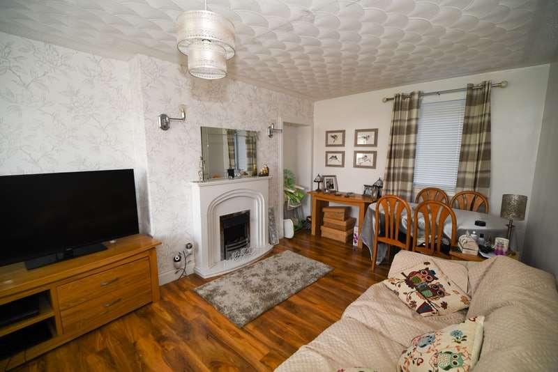 3 Bedrooms Semi Detached House for sale in Stevenson Street, Grangemouth, Stirlingshire, FK3