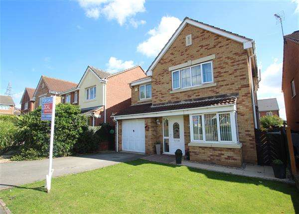 4 Bedrooms Detached House for sale in Marguerite Gardens, Upton