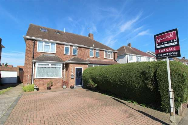 4 Bedrooms Semi Detached House for sale in Hogarth Avenue, Ashford, Middlesex