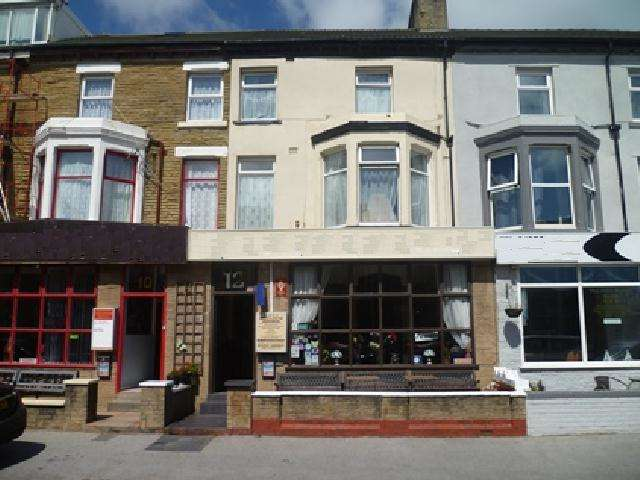 9 Bedrooms Hotel Commercial for sale in Woodfield Road, Blackpool, FY1 6AX