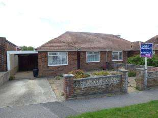 2 Bedrooms Bungalow for sale in Ashington Gardens, Peacehaven, East Sussex