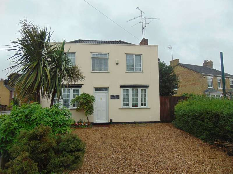 3 Bedrooms Detached House for sale in Norwich Road, Wisbech, Cambs, PE13 3TB