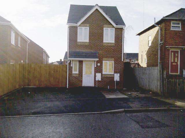 3 Bedrooms Detached House for rent in NORTH STREET, WALSALL, WEST MIDLANDS, WS2 8AT
