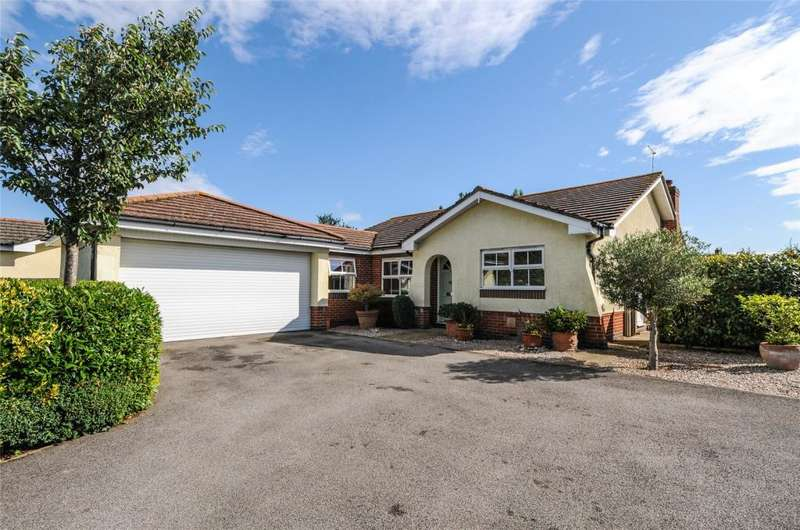 3 Bedrooms Detached Bungalow for sale in Wooldridge Walk, Climping, West Sussex, BN17