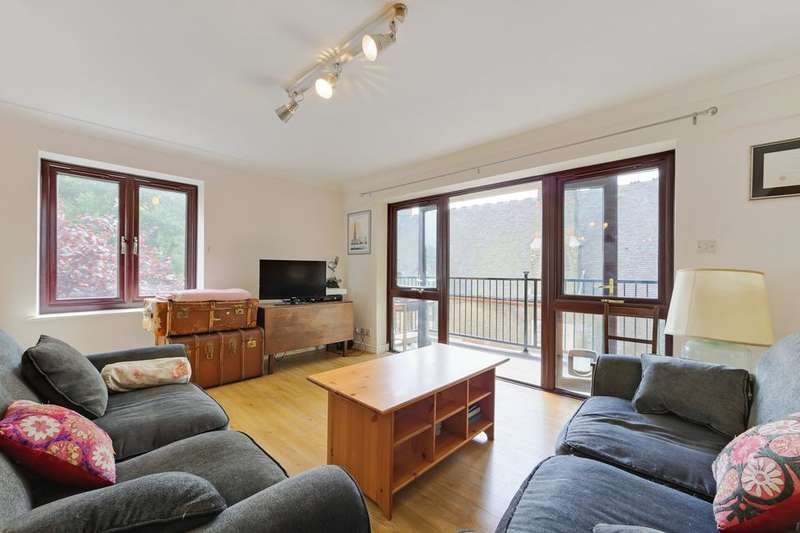 2 Bedrooms Flat for sale in George Leybourne House, Fletcher Street, London E1