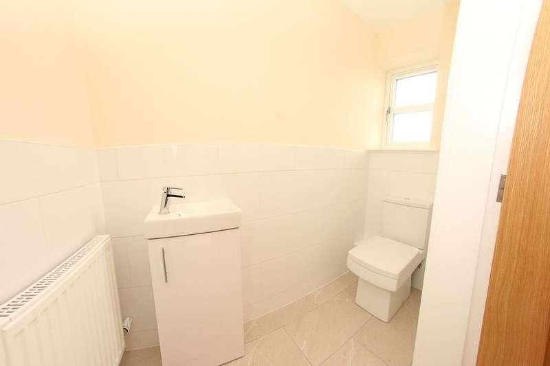 3 Bedrooms Detached House for sale in Mountain Close, Buckley, Flintshire, CH7 3JA
