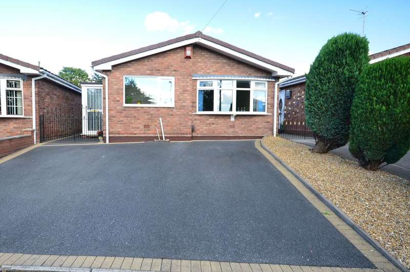 3 Bedrooms Detached Bungalow for sale in Ramage Grove, Lightwood, ST3 4QZ