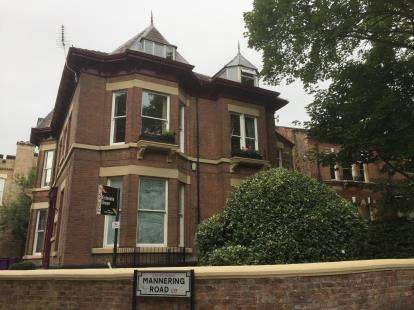2 Bedrooms Flat for sale in Mannering Road, Aigburth, Liverpool, Merseyside, L17