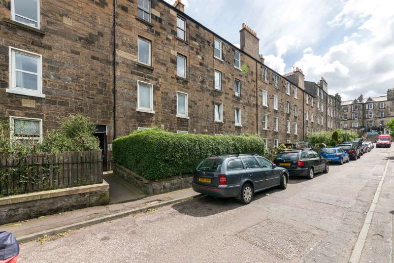 1 Bedroom Ground Flat for sale in Salmond Place, Abbeyhill, Edinburgh, EH7 5ST