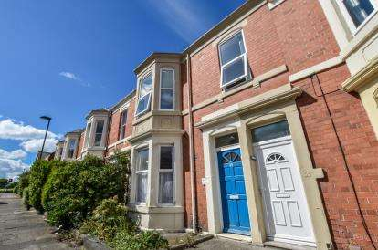 5 Bedrooms Maisonette Flat for sale in Oakland Road, Newcastle Upon Tyne, Tyne and Wear, NE2