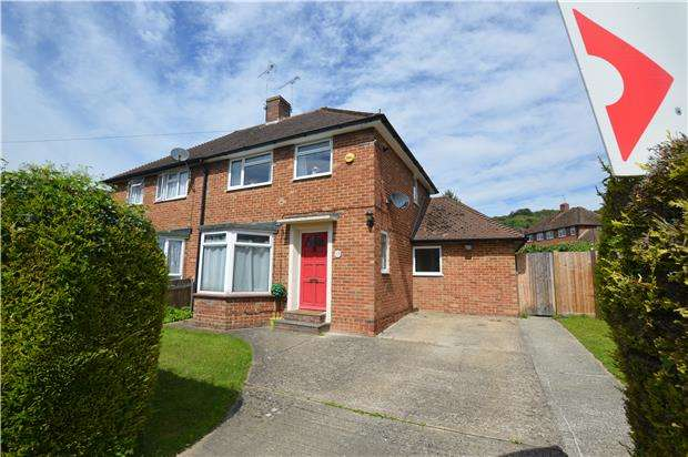 2 Bedrooms Semi Detached House for sale in Collet Road, Kemsing, SEVENOAKS, Kent, TN15 6SH