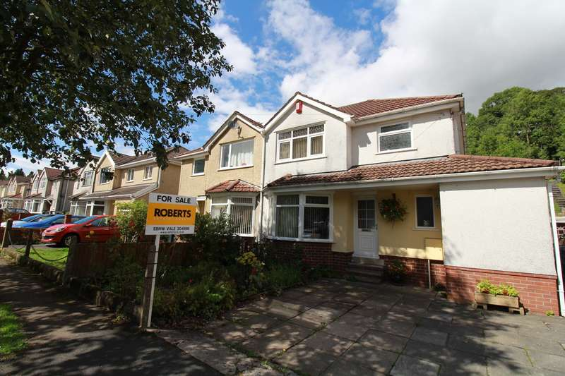 3 Bedrooms Semi Detached House for sale in Cambridge Gardens, Beaufort, Ebbw Vale, NP23