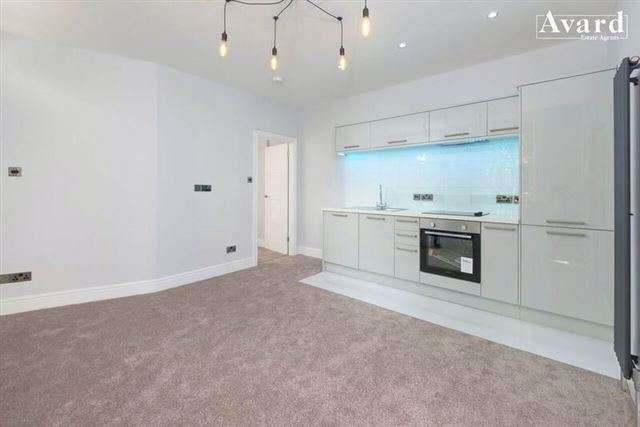 2 Bedrooms Flat for sale in 66 Clyde Road, Brighton , East Sussex, BN1 4NP