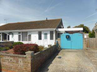 3 Bedrooms Bungalow for sale in Willow Drive, St Mary's Bay, Romney Marsh, Kent