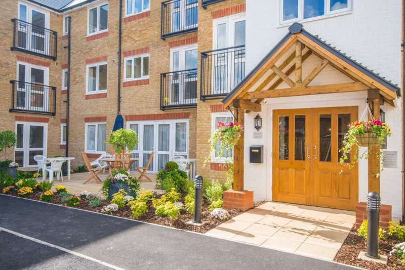 2 Bedrooms Retirement Property for sale in Sheldon Lodge, High Street, Berkhamsted