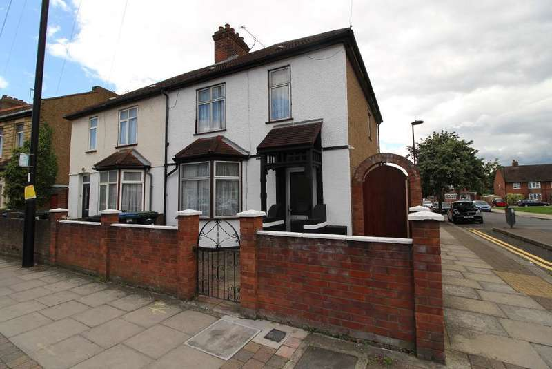 4 Bedrooms Semi Detached House for sale in Lincoln Road, Edmonton, London, UK, EN3 4AQ