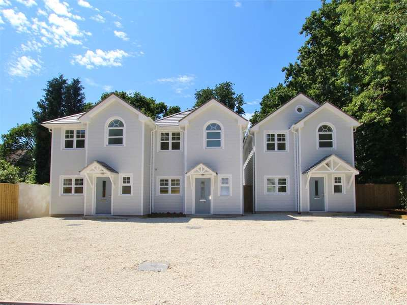 3 Bedrooms Detached House for sale in Blandford Road, Hamworthy, POOLE, BH15