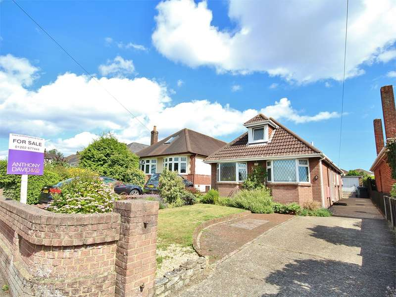 3 Bedrooms Detached Bungalow for sale in Pound Lane, Poole, BH15