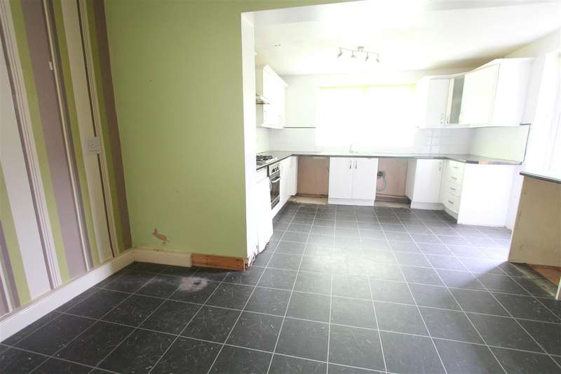 3 Bedrooms Town House for sale in Lincombe Road, Liverpool