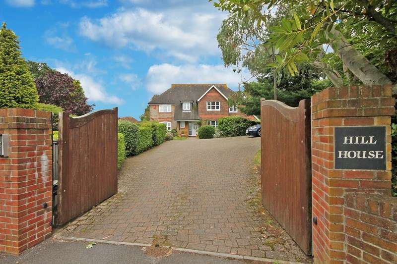 5 Bedrooms Detached House for sale in Hill Lane, Bransgore, Christchurch