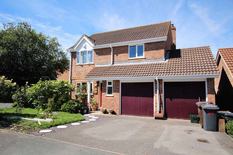 4 Bedrooms Detached House for sale in Wheelwright Close, Eastbourne, BN22 0XG