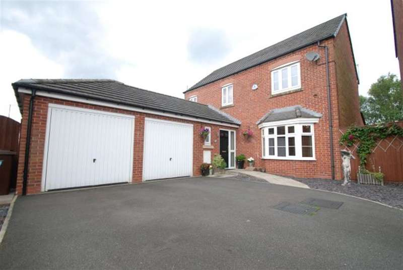 4 Bedrooms Detached House for sale in Beeches End, Hyde, SK14 4GT