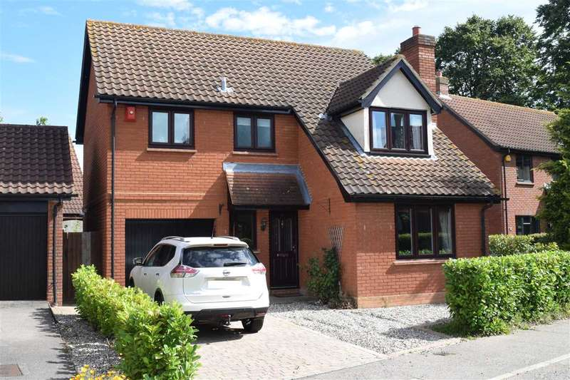 4 Bedrooms Detached House for sale in Canterbury Way, Chelmsford