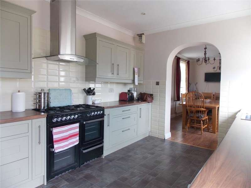 3 Bedrooms Detached Bungalow for sale in Kimberley Park Road, Falmouth, Cornwall