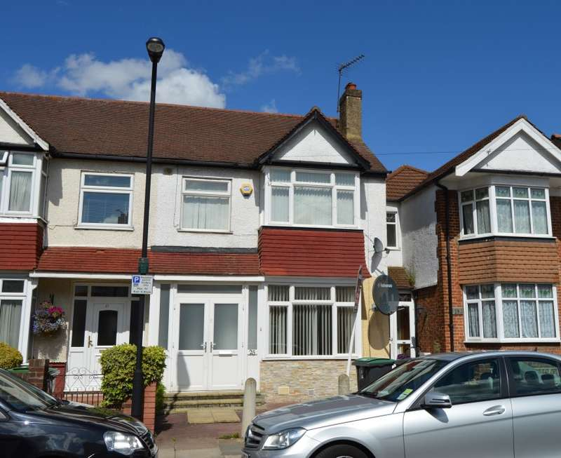 3 Bedrooms Terraced House for sale in New Road, Wood Green, London, N22 5ET