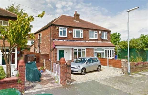 3 Bedrooms Semi Detached House for sale in Clovelly Road, Manchester