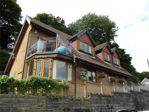 4 Bedrooms Detached House for sale in Trewyddfa Road, Morriston, Swansea, West Glamorgan