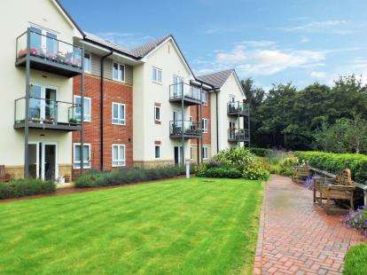 3 Bedrooms Flat for sale in Slade Road, Portishead, Bristol