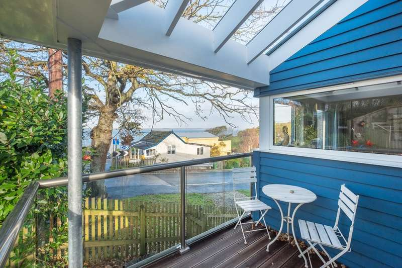 2 Bedrooms Detached House for sale in Gurnard, Isle Of Wight