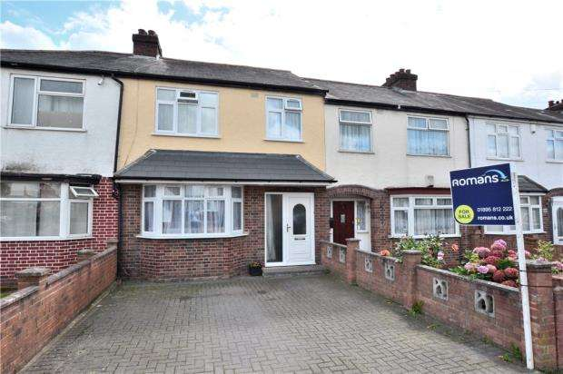 3 Bedrooms Terraced House for sale in Star Road, Hillingdon, Middlesex