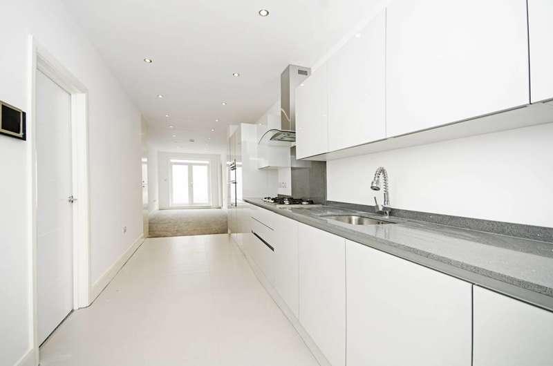 3 Bedrooms Flat for sale in Herbert Road, Hendon, NW9