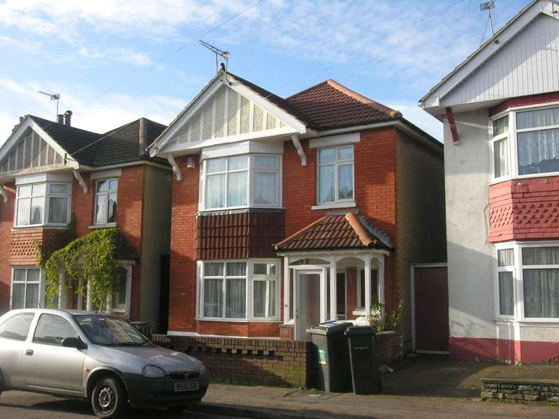 5 Bedrooms House for rent in 5 bedroom House in Bournemouth