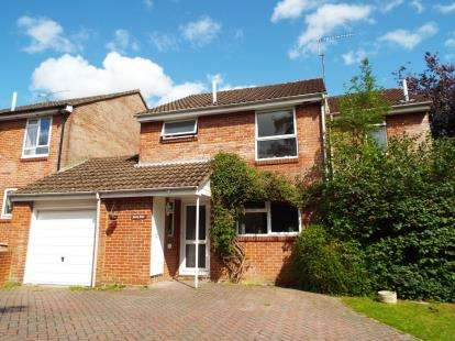 4 Bedrooms Link Detached House for sale in Winchester, Hampshire