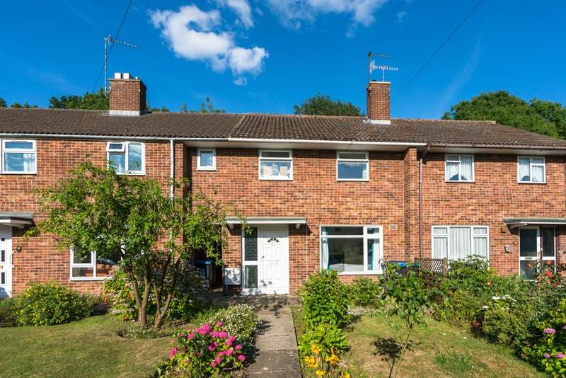 3 Bedrooms Terraced House for sale in Briery Way, Hemel Hempstead, Hertfordshire, HP2