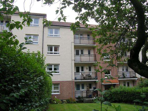3 Bedrooms Flat for sale in Corlaich Drive, Toryglen, Glasgow