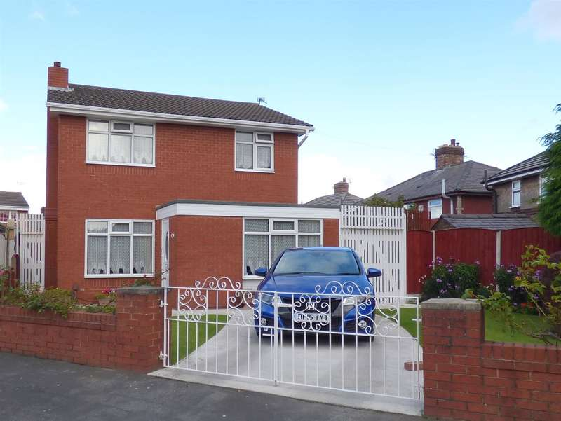 3 Bedrooms Detached House for sale in Hillcrest Avenue, Huyton, Liverpool