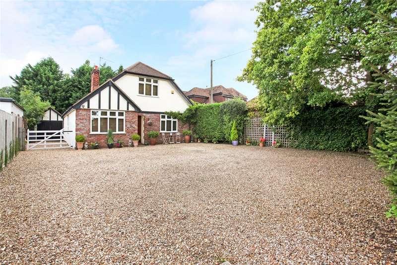 4 Bedrooms Detached House for sale in Bagshot Road, Chobham, Woking, Surrey, GU24