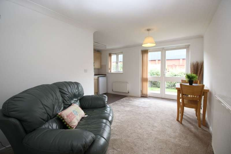 2 Bedrooms Flat for sale in Grants Yard, Burton-On-Trent, DE14