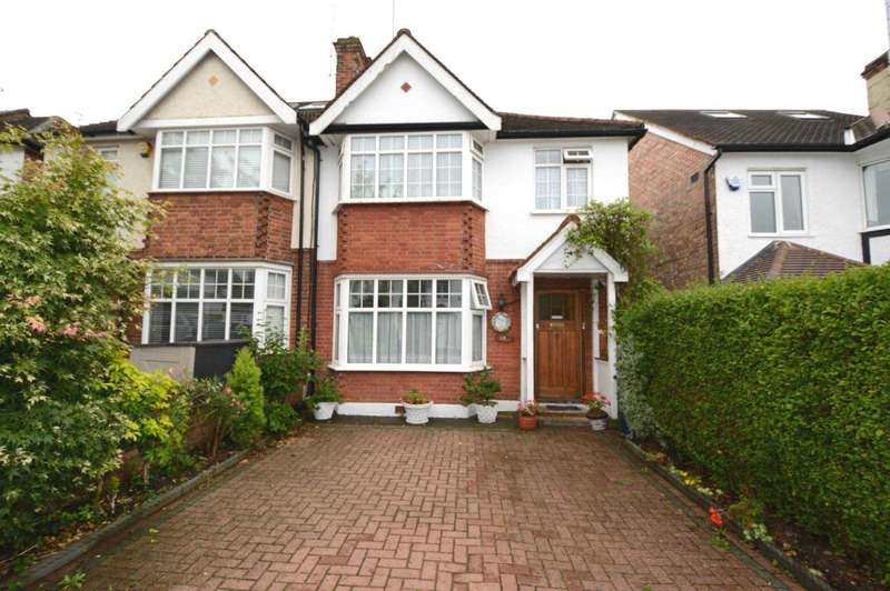 3 Bedrooms Semi Detached House for sale in Nethercourt Avenue, London
