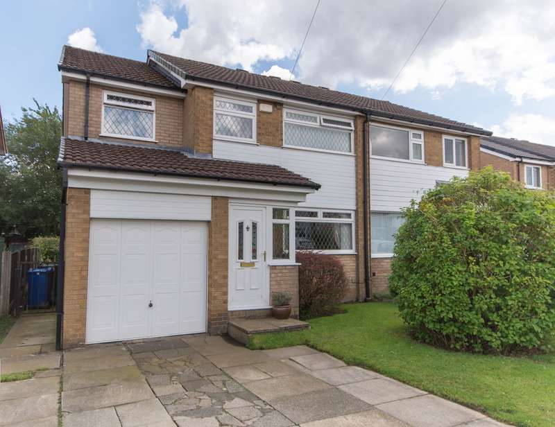 4 Bedrooms Semi Detached House for sale in Keighley Close, Lowercroft, Bury, BL8