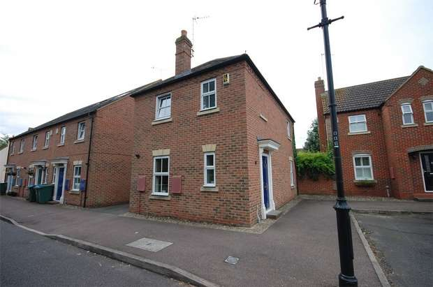 3 Bedrooms Detached House for sale in Swallow Lane, Aylesbury, Buckinghamshire