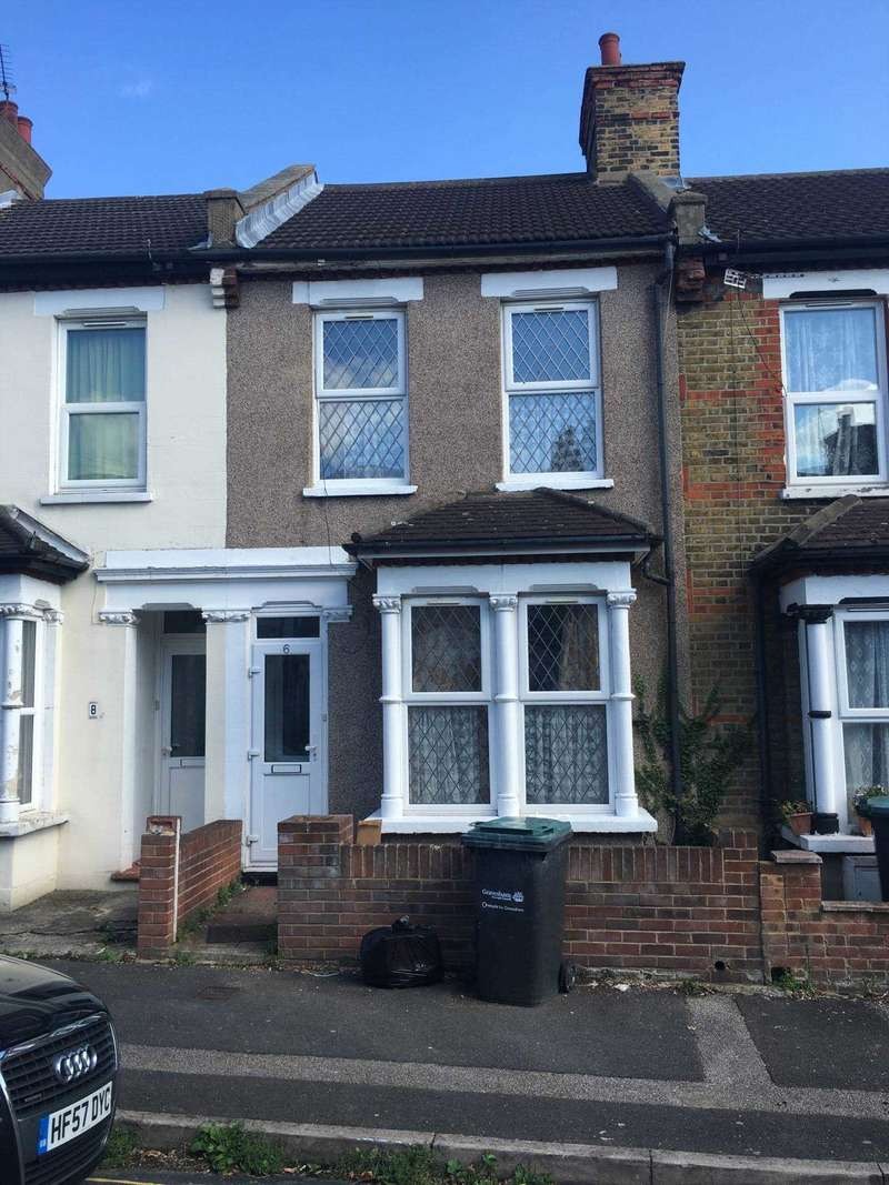 3 Bedrooms Terraced House for rent in Campbell Road, Gravesend